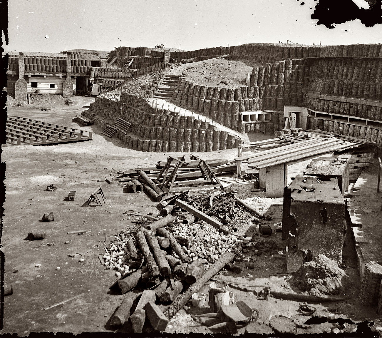 Fort_Sumter_1865