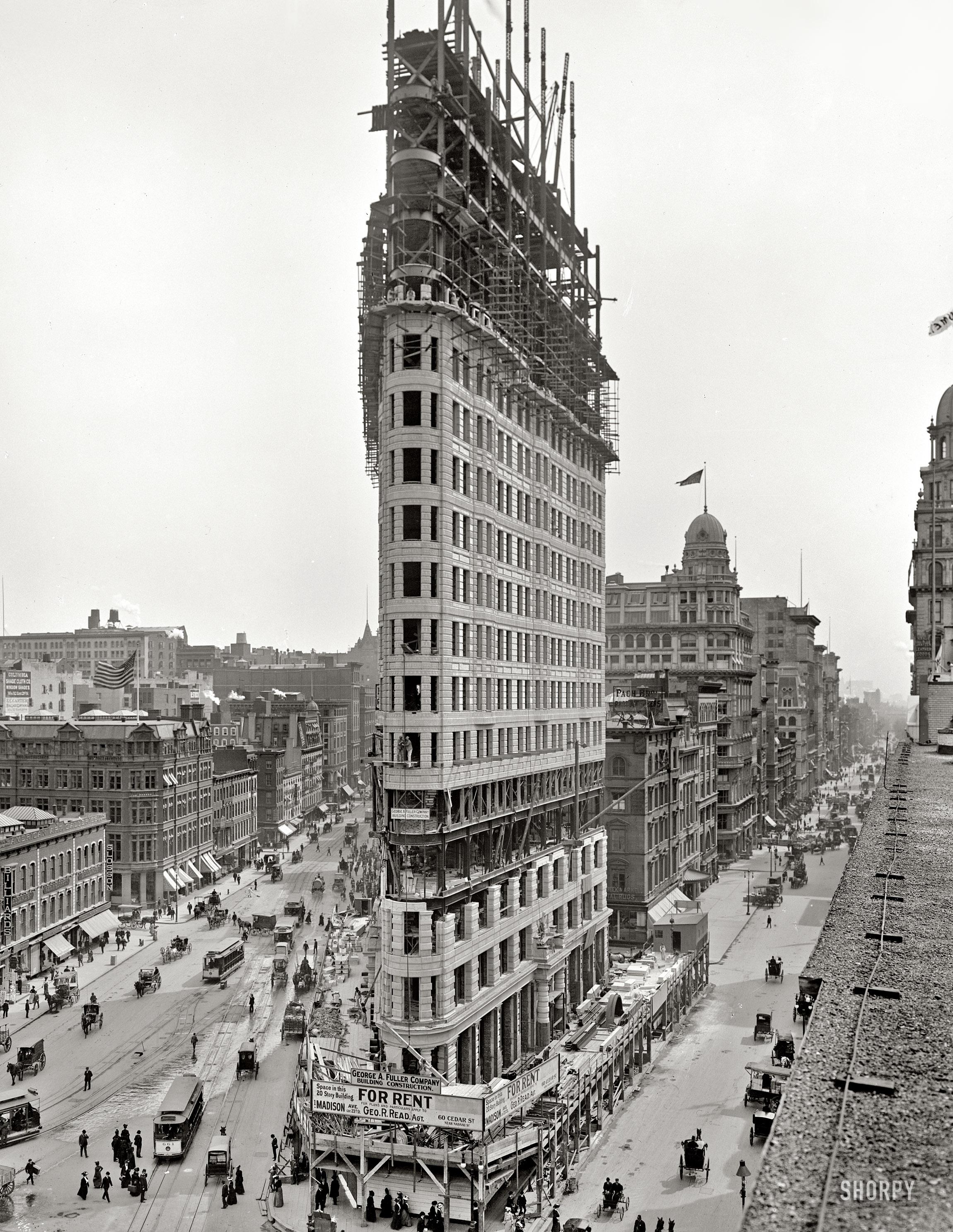 Flatiron_Rising_1902